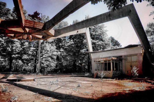 abandoned-theme-park-10d