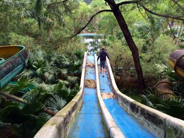 abandoned-theme-park-2b
