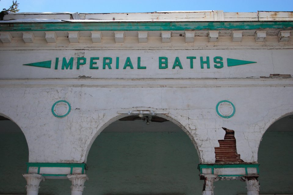 abandoned-bathhouses-1a