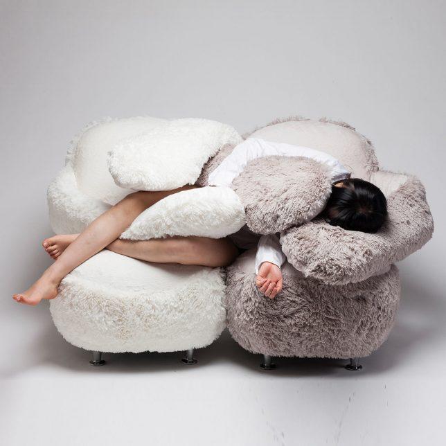 anthropomorphic free hug chair 3