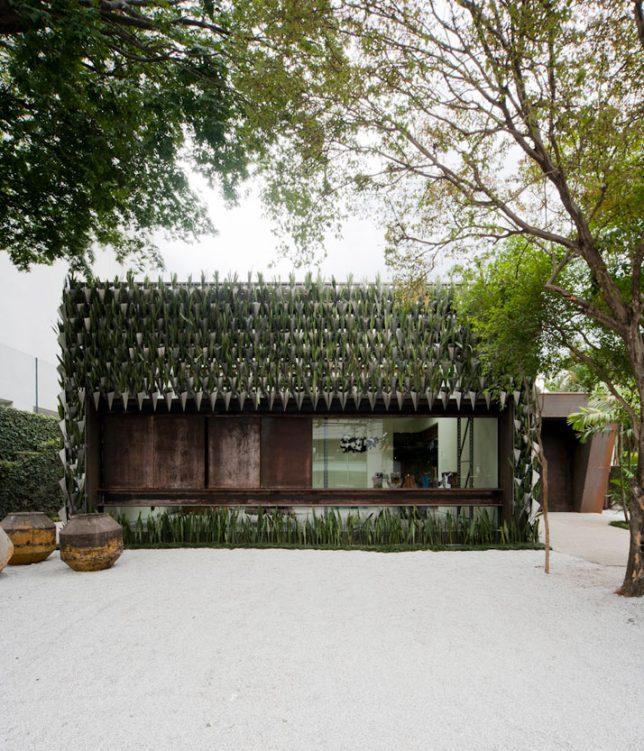 facades geometric planter 2