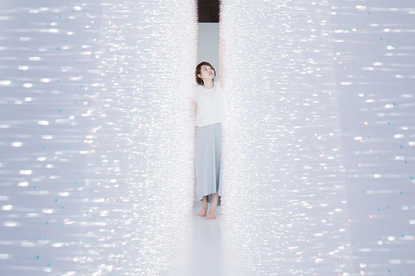 light art shimmering walls