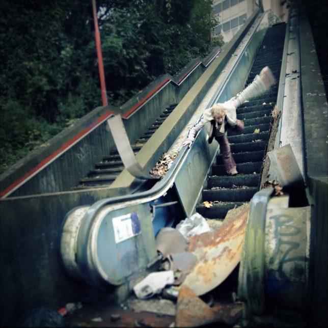 abandoned_escalator_11b
