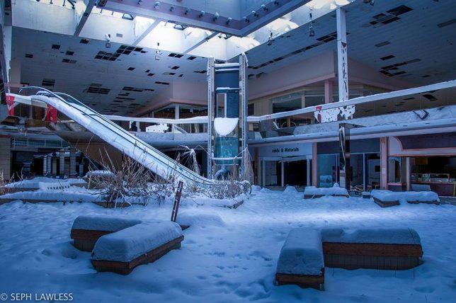 abandoned_escalator_12c