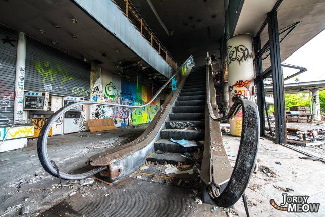 abandoned_escalator_3b