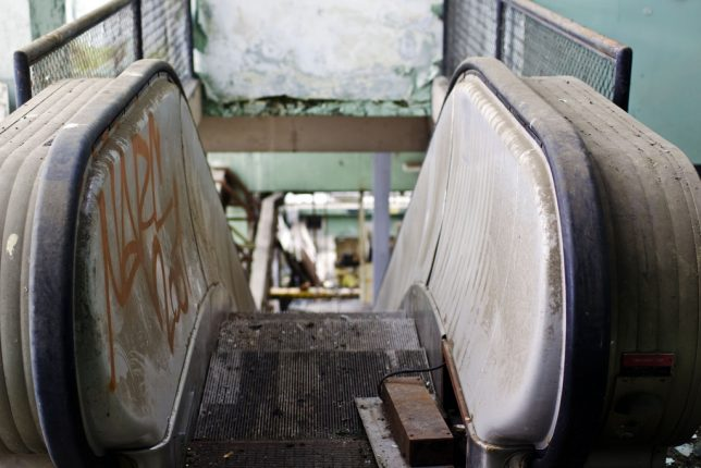 abandoned_escalator_6c