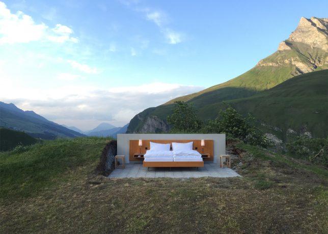 wall free bedroom