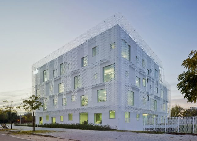 wrap facade perforated 2