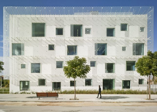 wrap facade perforated 3