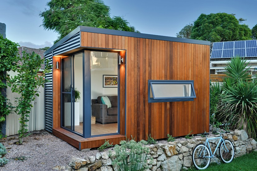 Prefab office pods 14 studios workspaces made for your for Tiny garden rooms