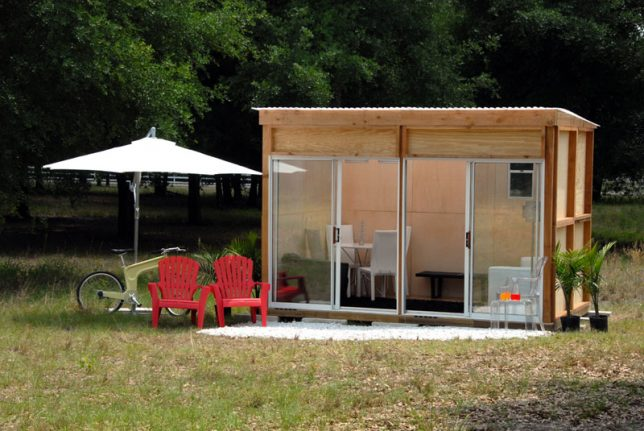 Prefab office pods 14 studios workspaces made for your for Garden sheds canada