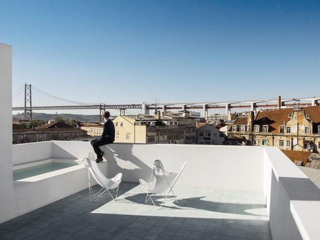 rooftop oasis bath 2