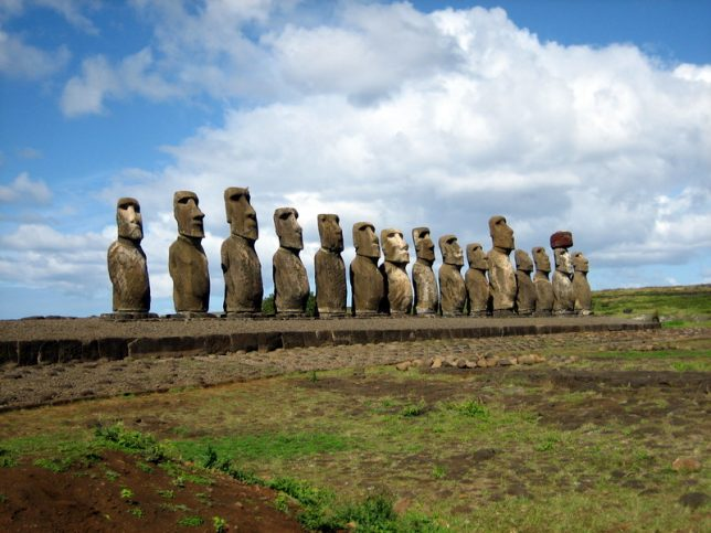 ancient-statues-easter-island