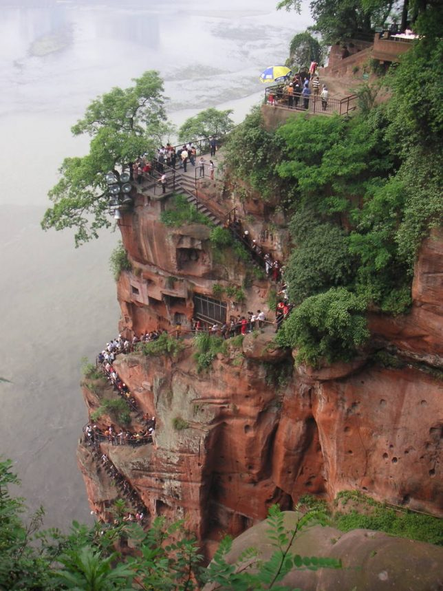 ancient-statues-leshan-giant-buddha-2