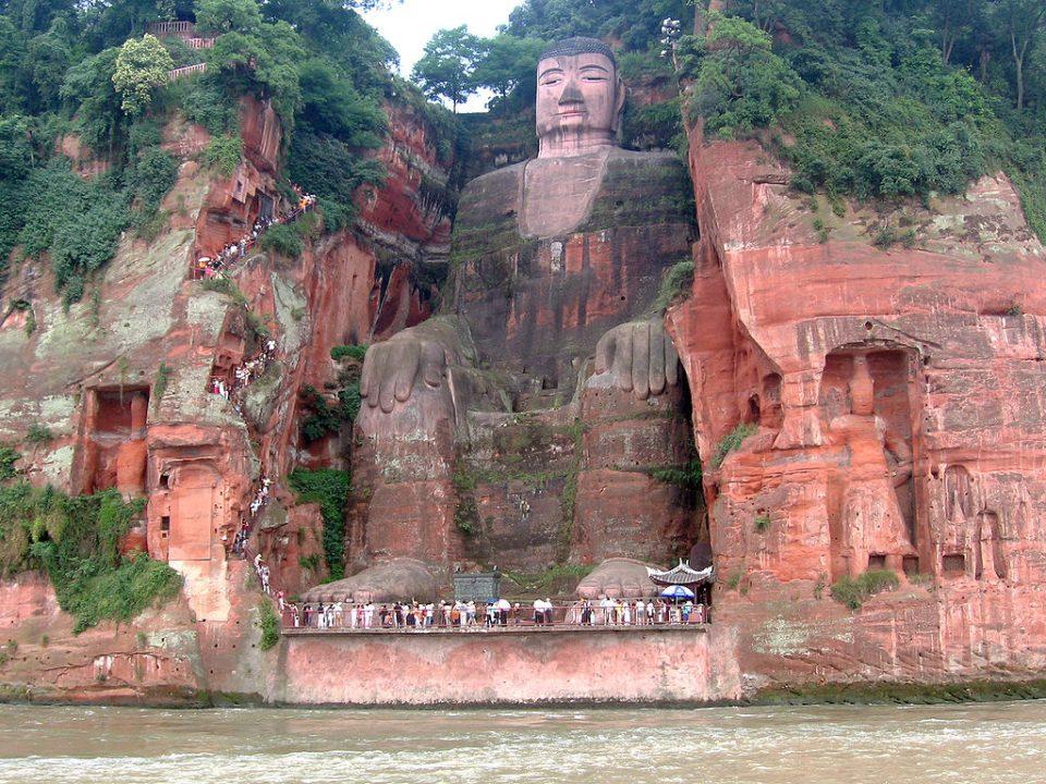 ancient-statues-leshan-giant-buddha