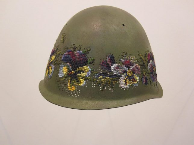 cross-stitch-soldier-helmets-3