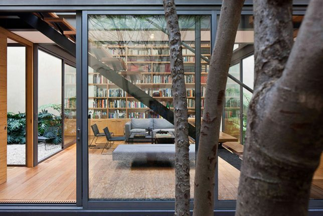 home-library-glass-mexico-2
