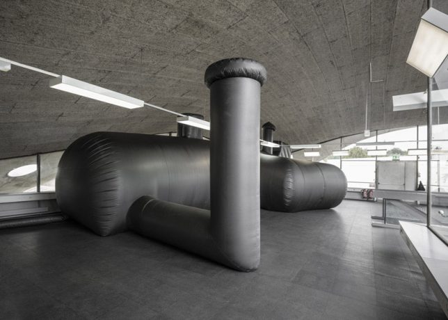 inflatable-club-2