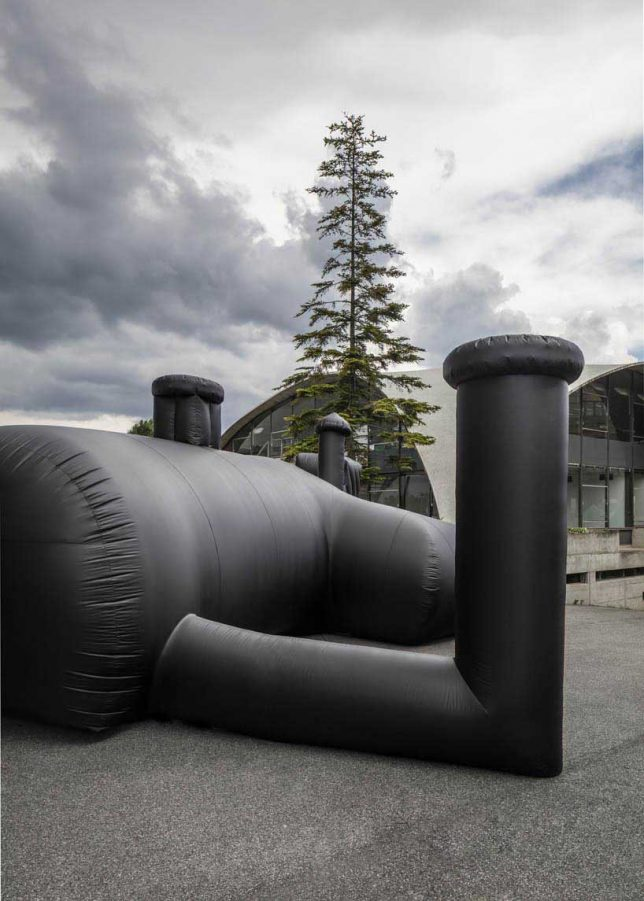 inflatable-club-4