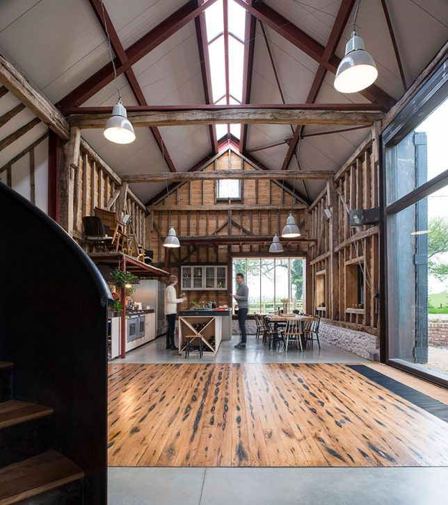 architecture-intervention-party-barn-2
