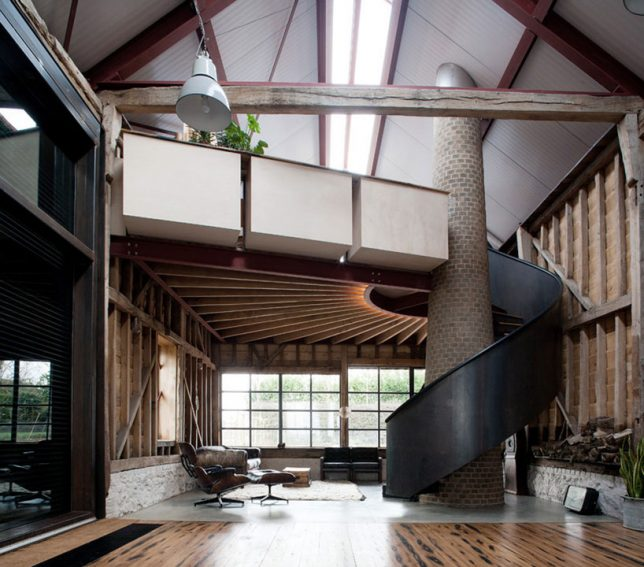 architecture-intervention-party-barn-3