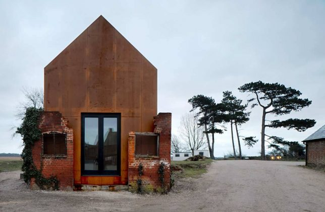 architecture-interventions-dovecote