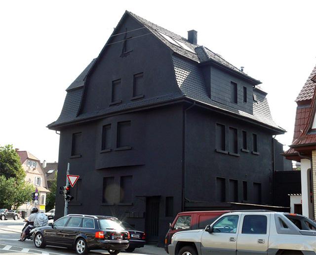 black-houses-schwarz-2