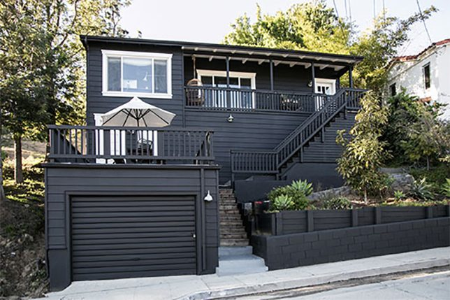 Black House By Sf Bay