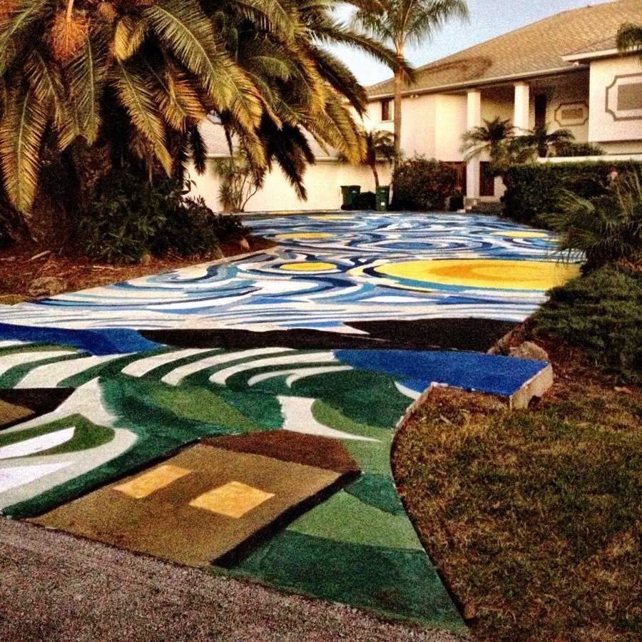 Home Driveway Design Ideas: Park Places: 10 Creatively Paved, Painted & Personalized