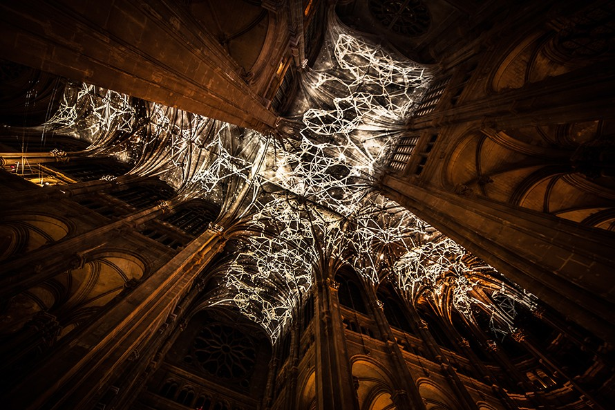 virtual-reality-ceiling-2