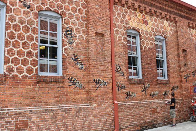 interactive-street-art-bees-1