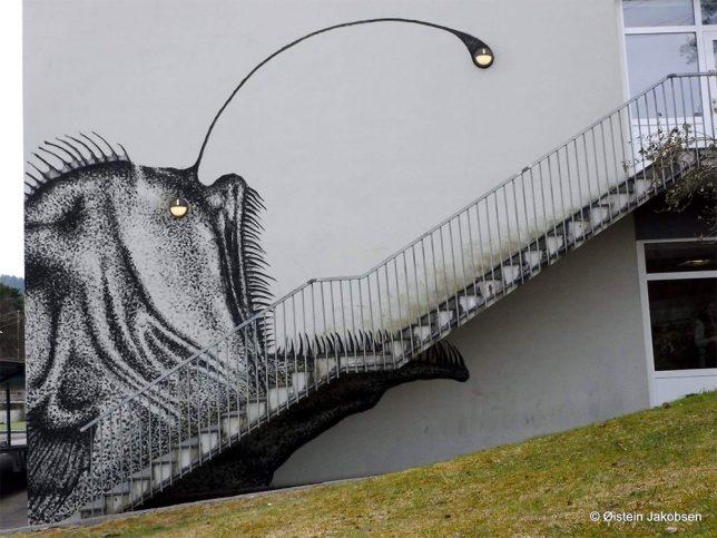 interactive-street-art-sea-monster-1