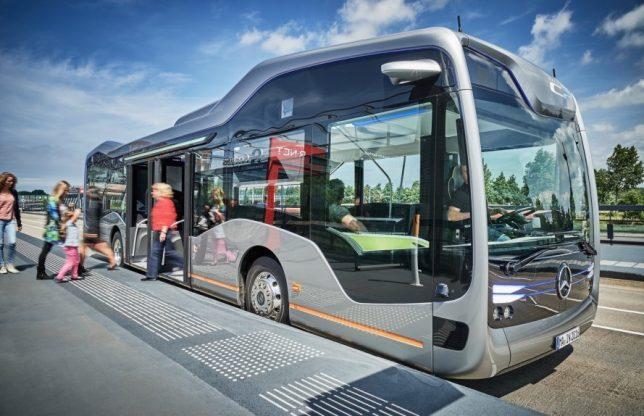 mercedes-bus-1