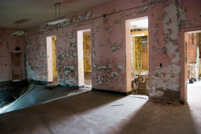 more-abandoned-orphanages-8c
