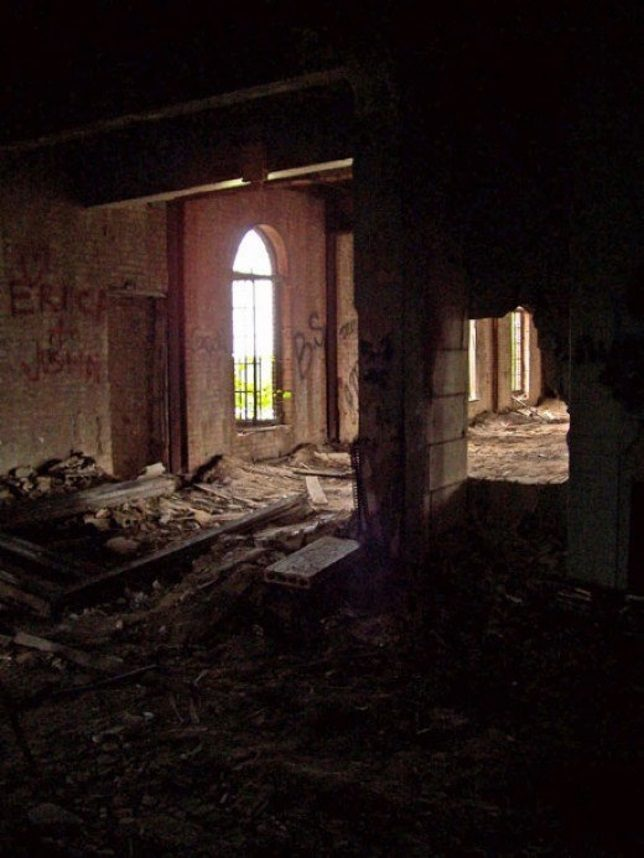 more-abandoned-orphanages-9c