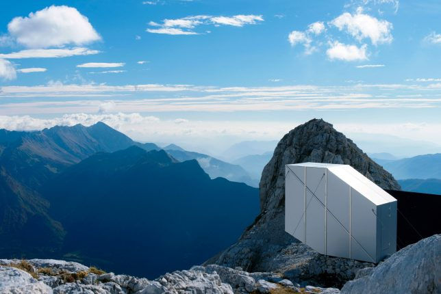 mountain-cabin-prefab-view