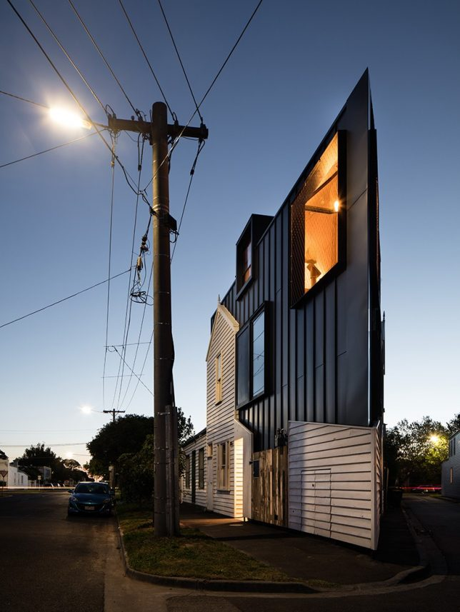 odd-shaped-house-wedge-2