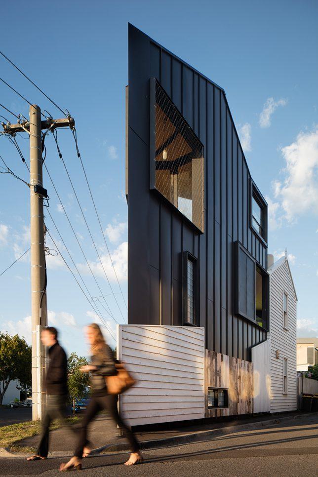 odd-shaped-house-wedge-4