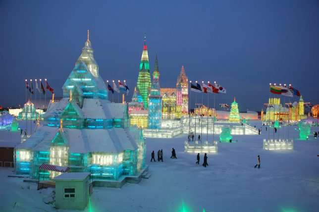city-of-ice-illuminated-architecture-2009-ian-carvell