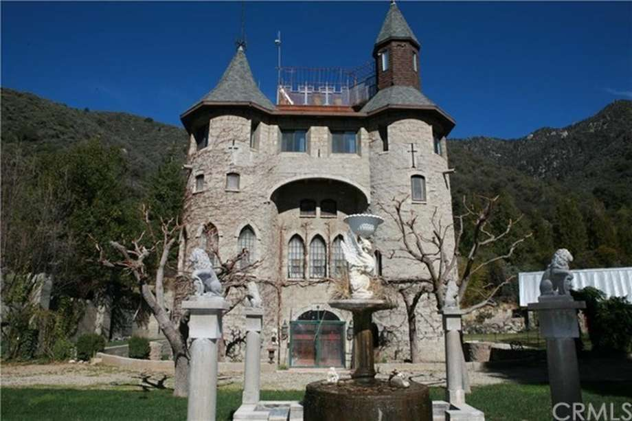 Turrets Moats Dungeons Amp All 12 Real Life Castles