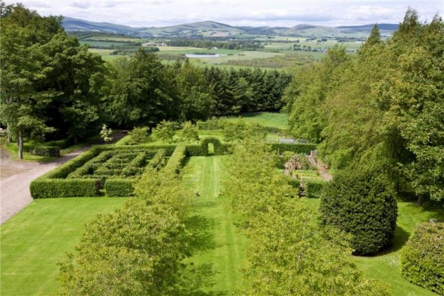 castles-for-sale-mary-of-scots-2