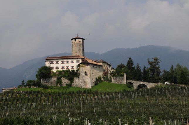 castles-for-sale-valer-1
