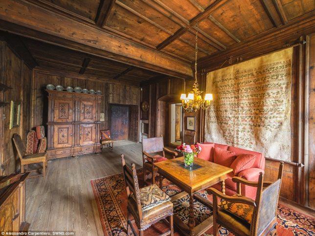castles-for-sale-valer-6