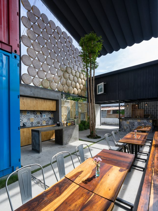 ccasa-shipping-container-hostel
