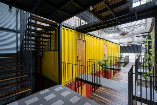 ccasa-shipping-container-hostel-1