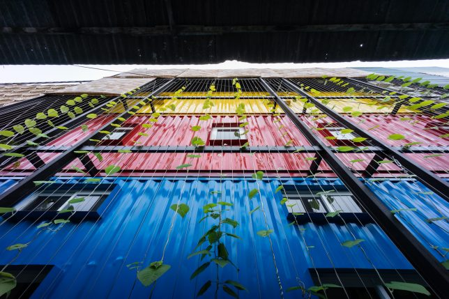 ccasa-shipping-container-hostel-12