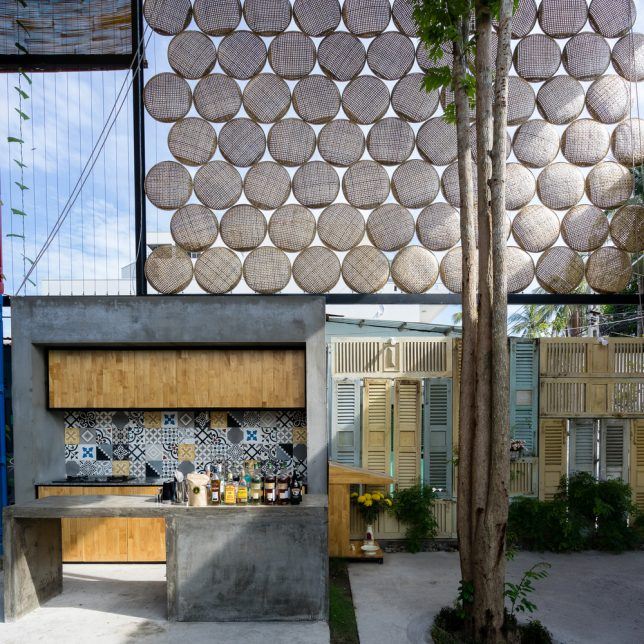 ccasa-shipping-container-hostel-4