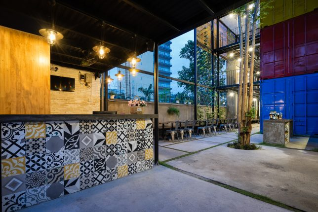 ccasa-shipping-container-hostel-5