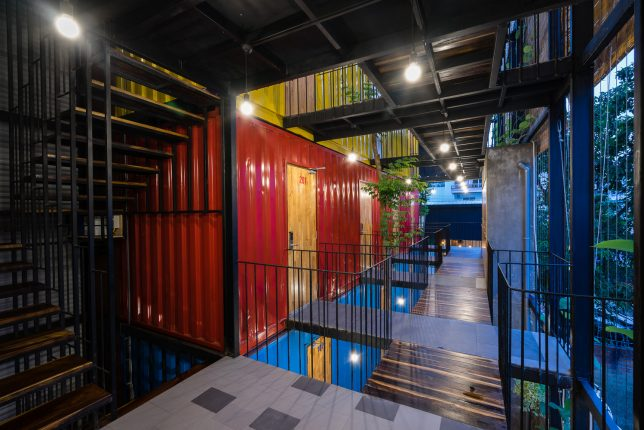 ccasa-shipping-container-hostel-8