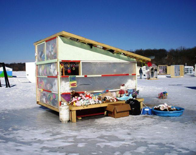 fishing-huts-art-shanty-5